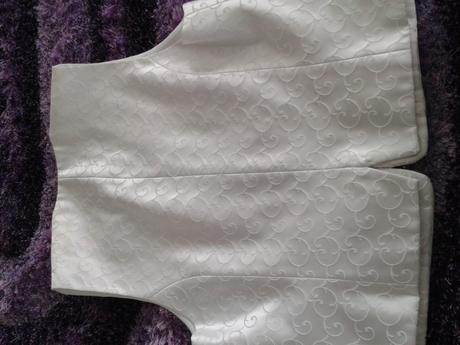 Svadobná vesta s kravatou a vreckovkou, 52
