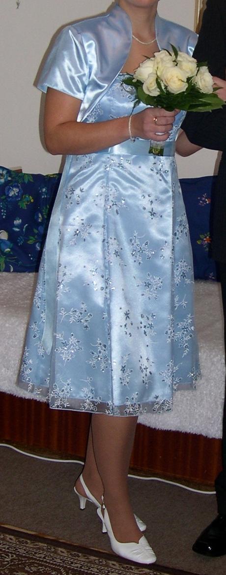 Svetlomodré  šaty, 40