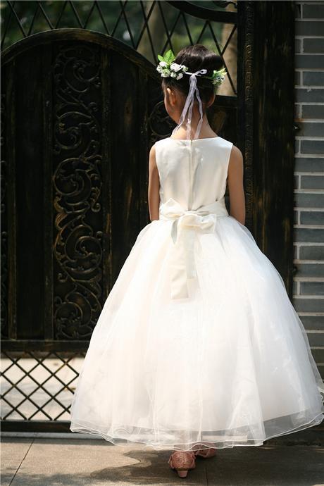Princeznovské šaty, podlahová délka - bílé, 98