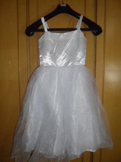Svatební šaty - styl princezna, 128