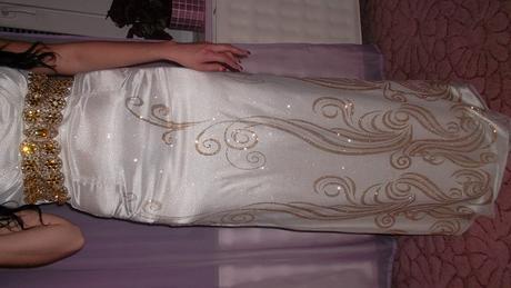 Biele spoločenské šaty, L