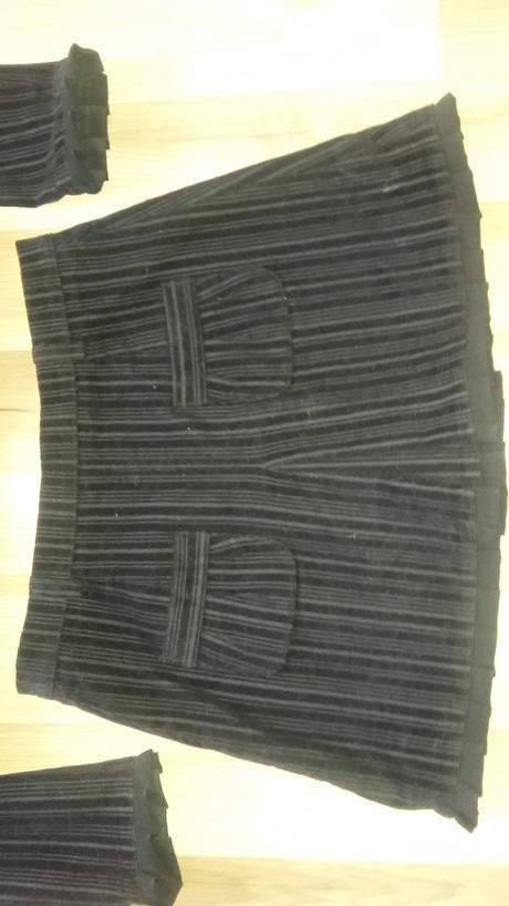 velvetovy kostym xs-s, 34