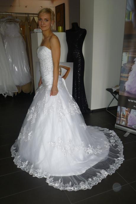 svatební šaty nenošené, 34