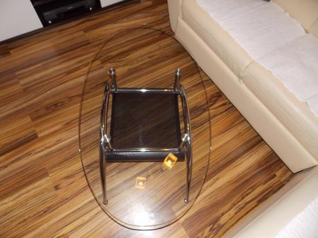 Sklenený stolík do obývačky,