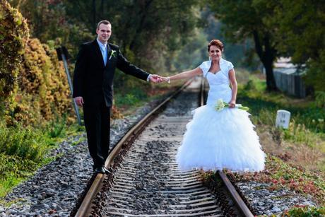 Biele svadobné šaty, 36
