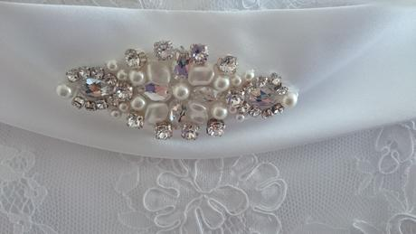 Čipkované svadobné šaty, 40
