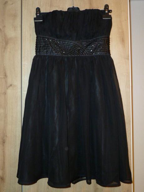 černé krátké společenské šaty, 38