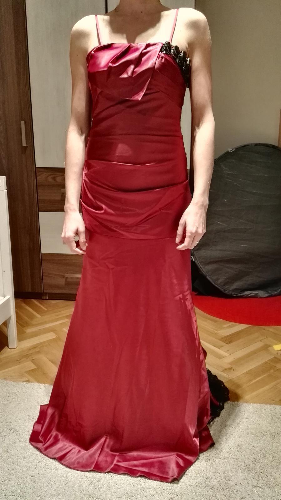 Saténové šaty 5839398f92