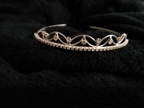 Decetní tiara,