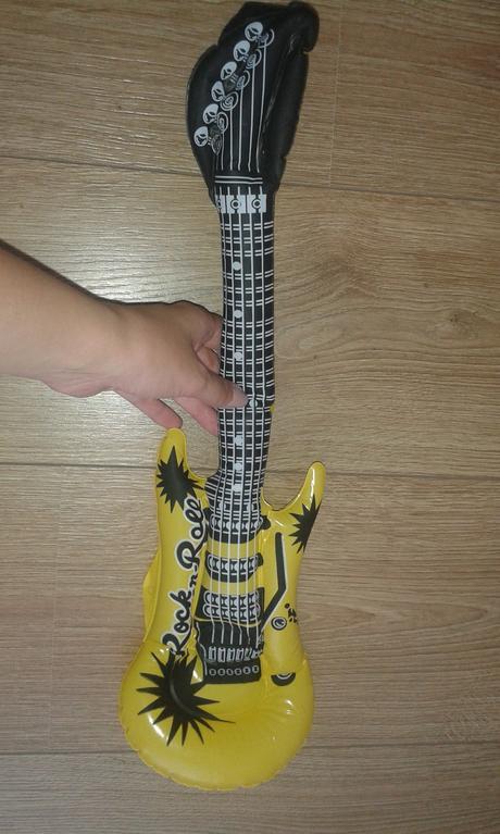 nafukovací kytara,