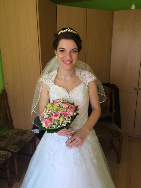 Svadobné šaty s odopínateľnou vlečkou, 36