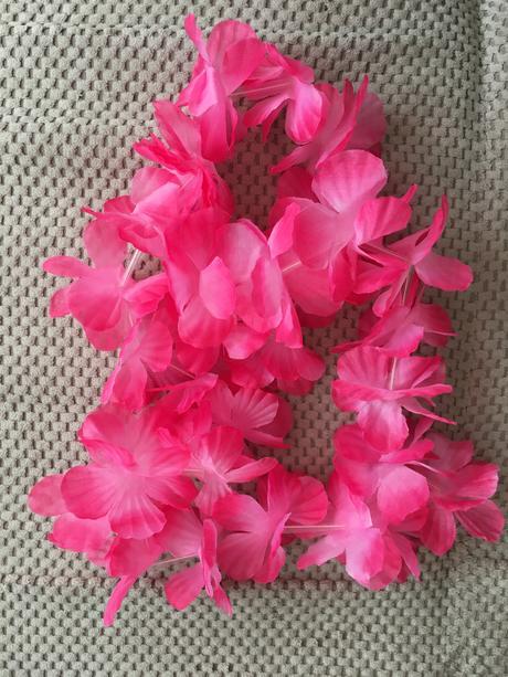4 ks havajských věnců růžových + 1ks oranžový,