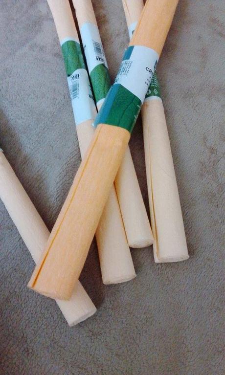 Meruňkový krepový papír,