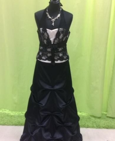 nádherné spoločenské šaty, 38