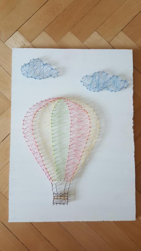 Balón s mráčky proplétaný,