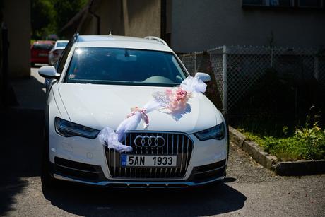 Ozdoba na auto 1. část - nevěsta,