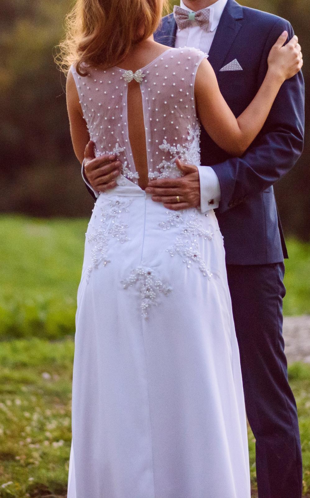 Jednoduché svadobné šaty 9c9facd624e