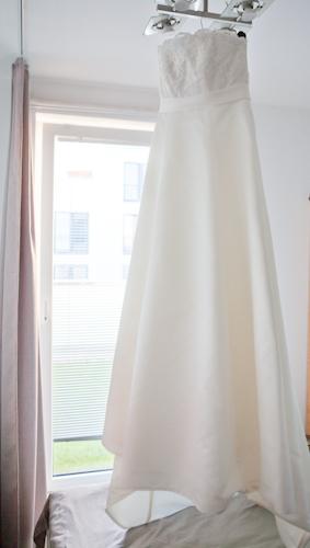 052ede62eb2 Svatební šaty vel 40