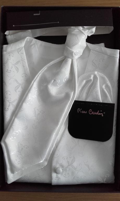 svadbona vesta Pierre Cardin, 40