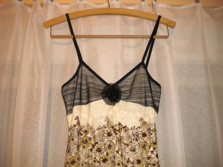 Jemné čipkované šaty, L