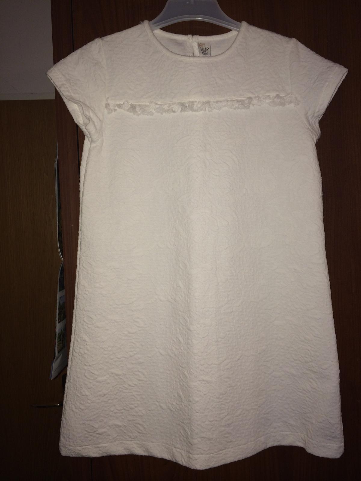 0157862ebd6 Bílé šaty. značka zara.