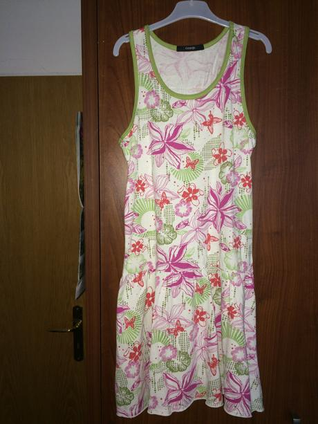 Barevné šaty, 140