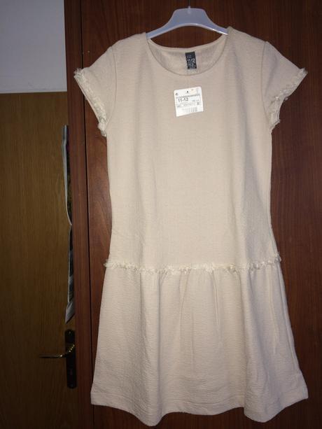 Béžové šaty ještě s cedulkou, Zara, 152