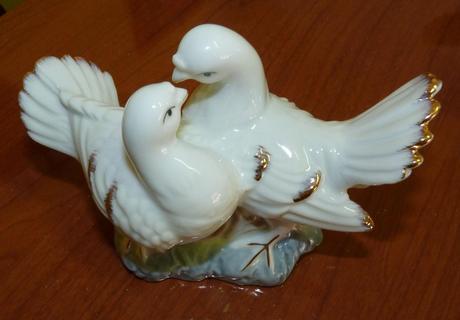 svadobna figurka holubice,