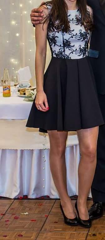 Čierne spoločenské šaty, S