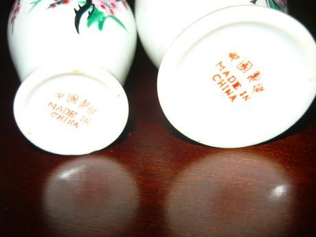Značené porcelánové vázičky 2ks,