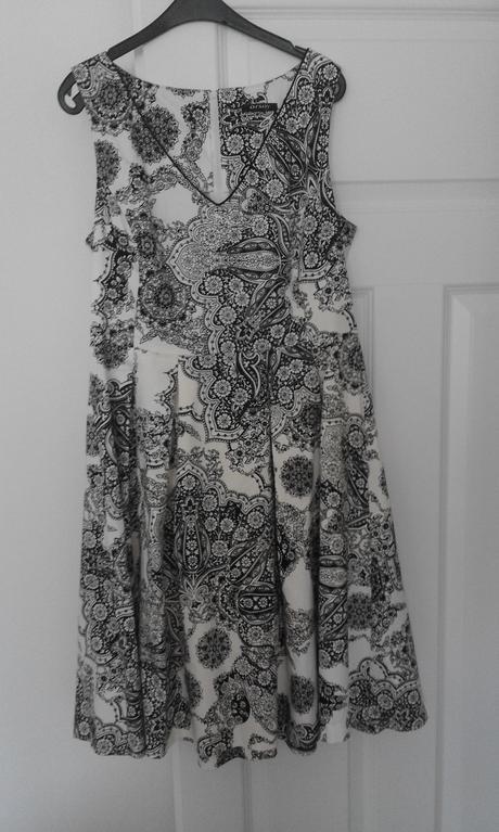 Šaty z Orsay, 40