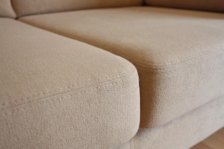 2x sedačky béžovej farby,