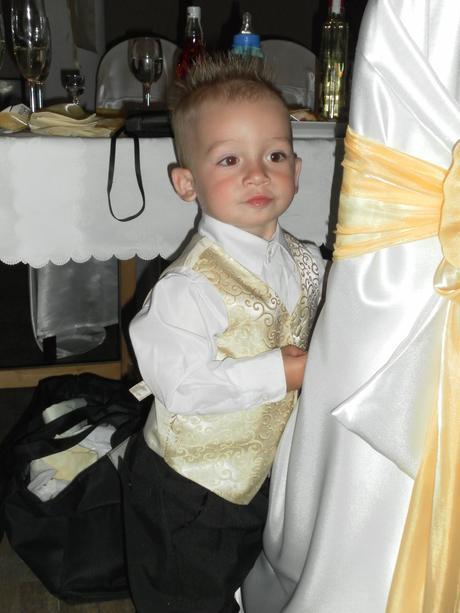 Chlapčenská svadobná vestička, 92