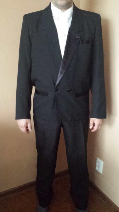 Čierny pánsky oblek, 48