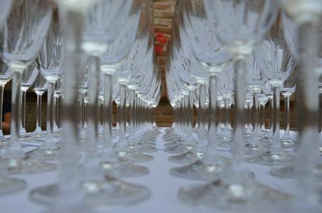 Poháre víno šampanské voda,