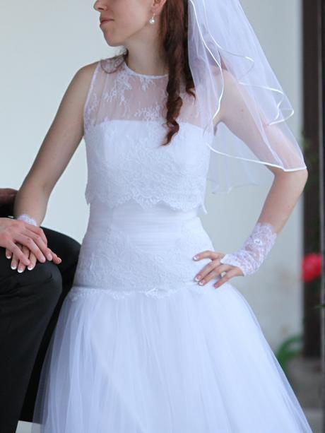 Jednoduché svadobné šaty 36/38, 38