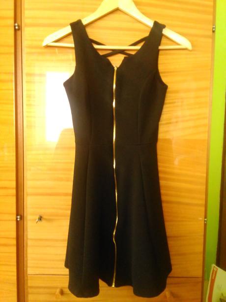 Krátke čierne šaty, S