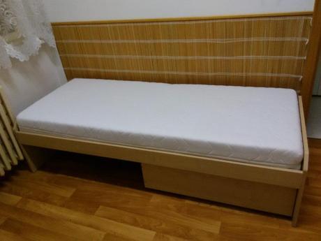 Postel - matrace,