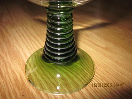 1x pohar z Rakuska na vínko /hrube sklo ,