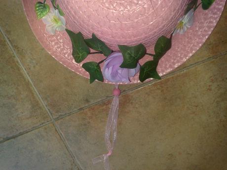Ruž.klobuk na stenu do dets.izby dekoracia ,