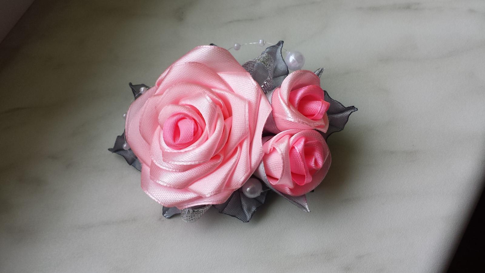 Spona do vlasů - růžové růžičky - ruční práce  21d9baae68