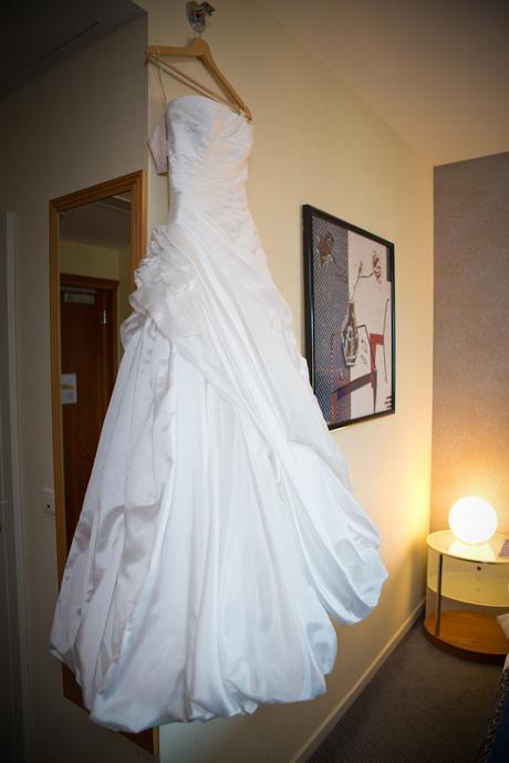 korzetové šaty Maggie Sottero s dlhou vlečkou, 36
