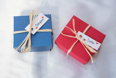 Koláčik šťastia v darčekovej krabičke,