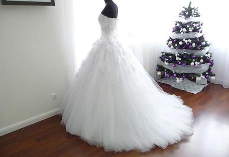Svadobné šaty s vlečkou, 40