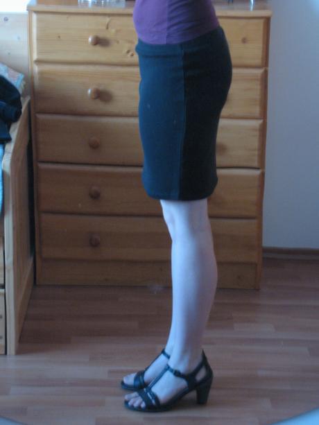 Čierna elastická sukňa, 38