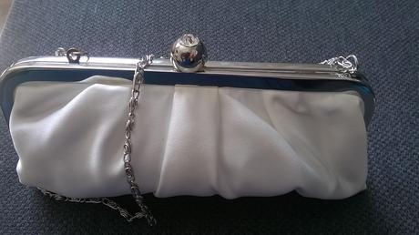 kabelka pre nevestu s diamantikovým uzáverom ,