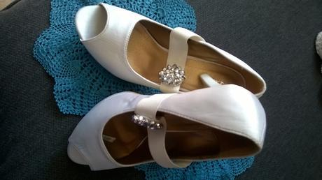 pohodlné svad./spoloč topánky s kamienkami 38/39 , 38
