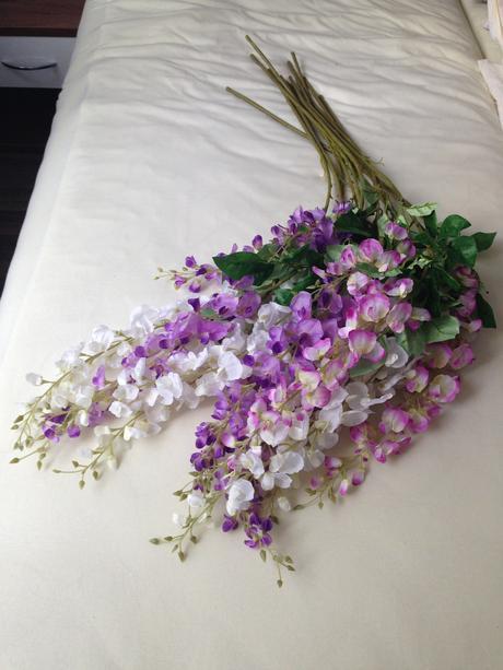 Umělé dekorativní květiny,