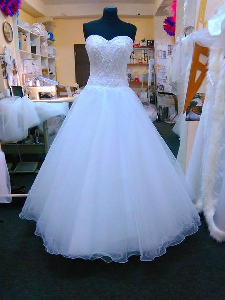 raz použite svadobné šaty, 36