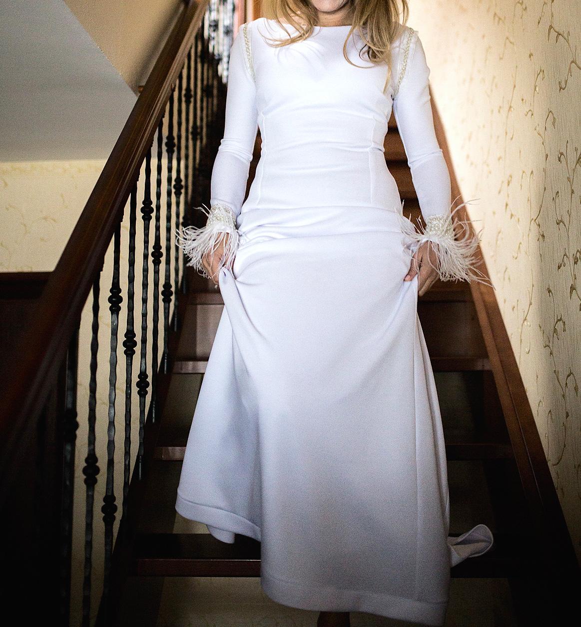 Jednoduche svadobné šaty s dlhým rukávom 682541e054f